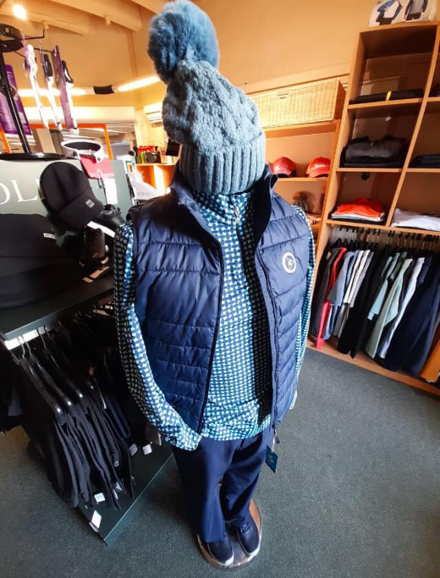 Venez faire vos achats de vêtements d'hiver à la boutique du golf